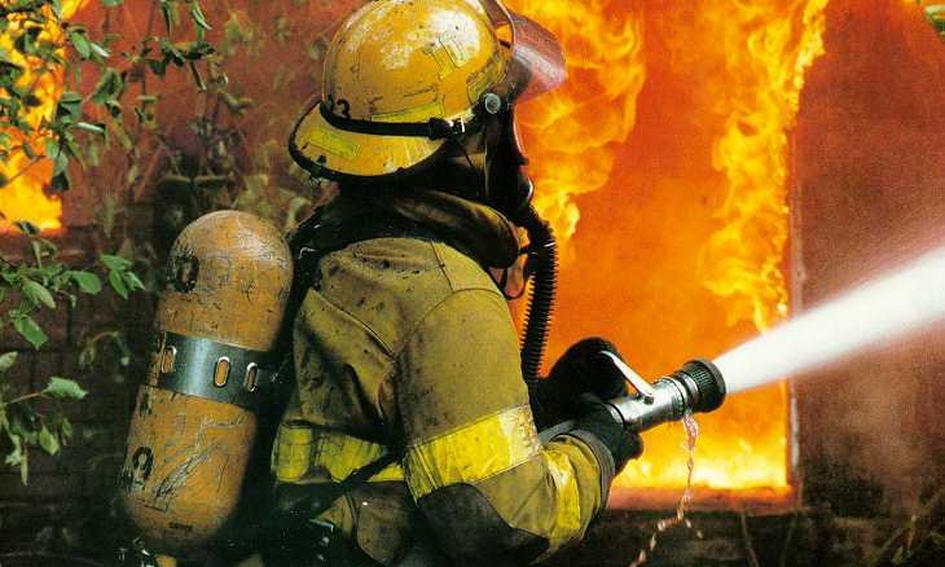 во время тушения пожара квартиру