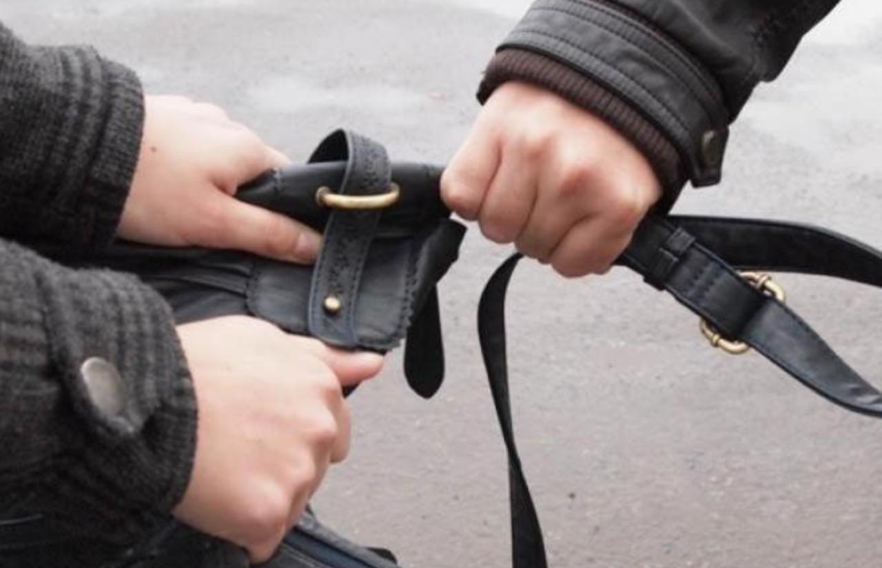 В Бобруйске наградили участкового задержавшего преступника в свой выходной день