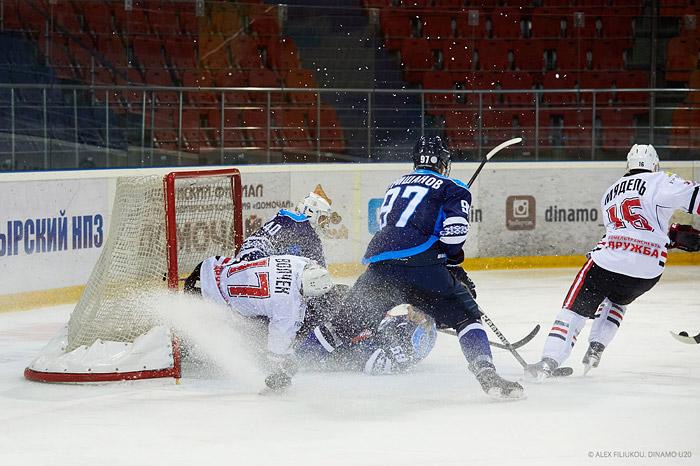 Хоккеисты «Динамо-Бобруйск» со счетом 1:6 проиграли «Гомелю»