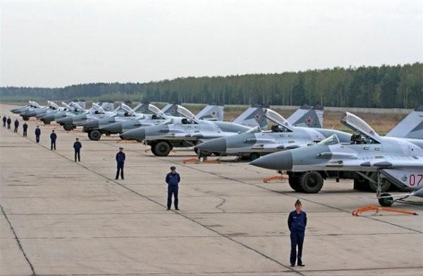 Россия снова возвращается к вопросу размещения авиабазы в Беларуси