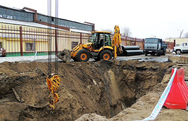 На ул.Ленина в Бобруйске идет капитальный ремонт коллектора