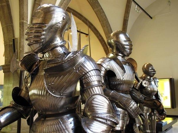 Доспехи рыцарские