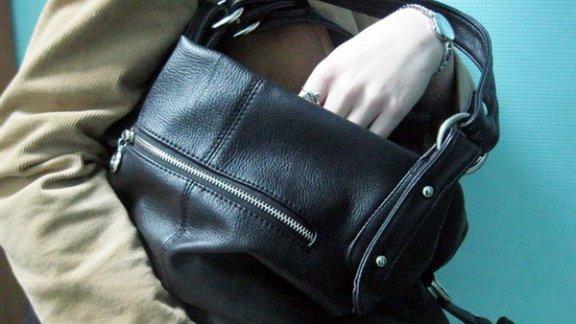 На бобруйском рынке у предпринимателя украли сумку с 6.000.000 рублей