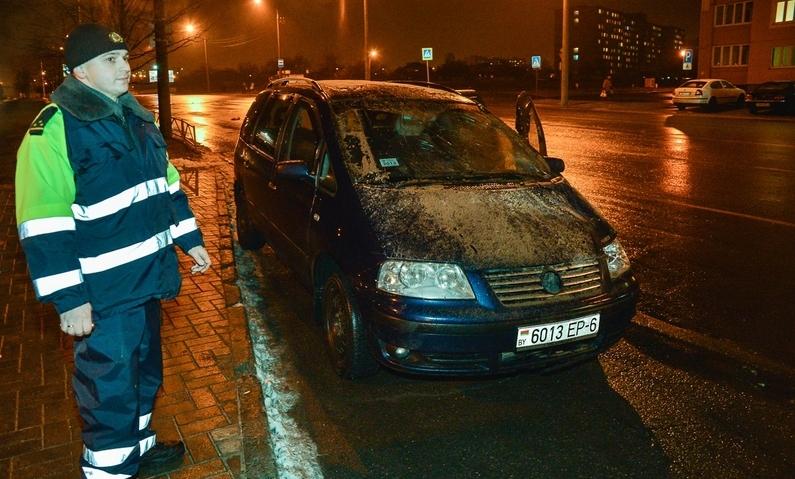 В Бобруйске автомобиль совершил наезд на троих пешеходов