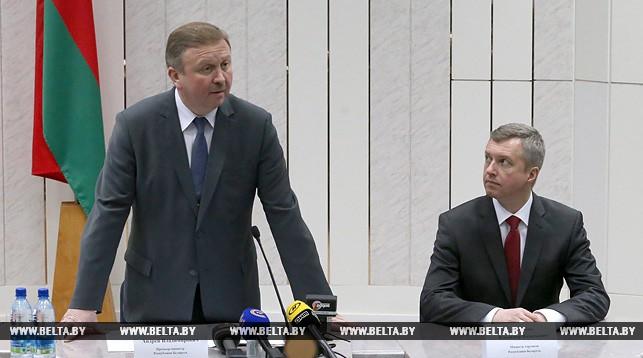 Кобяков представил нового министра торговли и потребовал обеспечить торговлю товарами отечественного производителя
