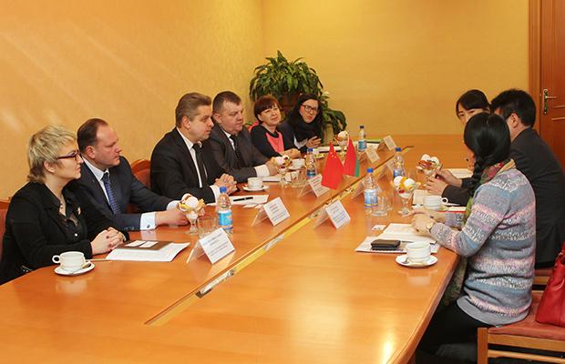 Мэр Бобруйска уверил граждан в безопасности торфоперерабатывающего завода