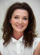 Мишель Фэйрли (Michelle Fairley)