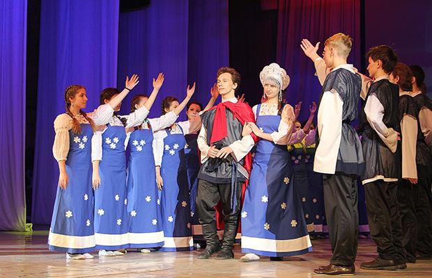 В Бобруйске показали Рождественскую постановку «Александр Невский»