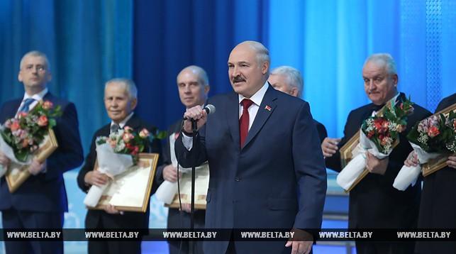 Лукашенко: Много снега - много хлеба