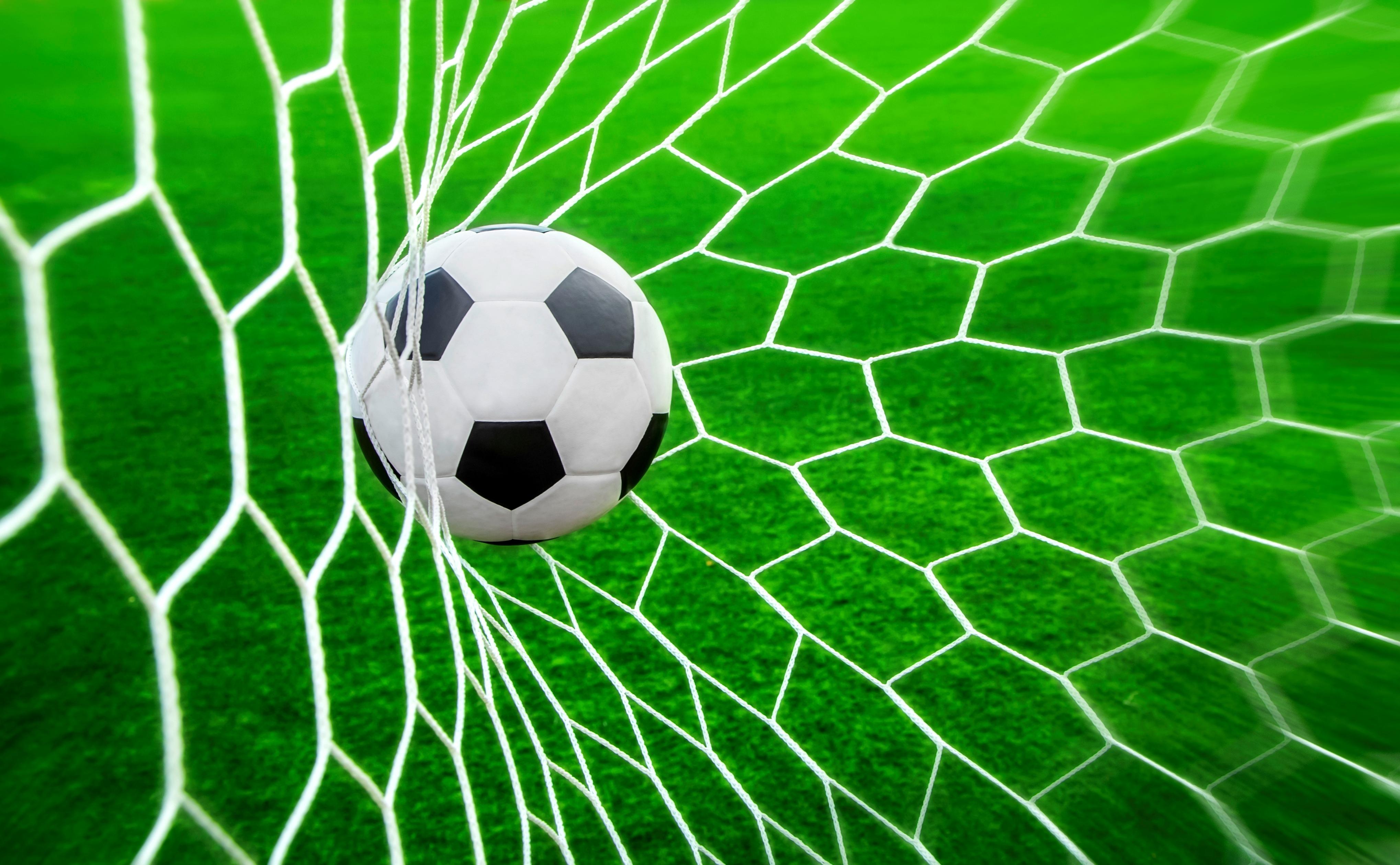 Бобруйские священнослужители сыграли в футбол