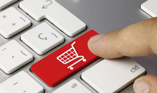 Бобруйчанин должен уплатить 60 миллионов за продажу одежды и игрушек в интернете