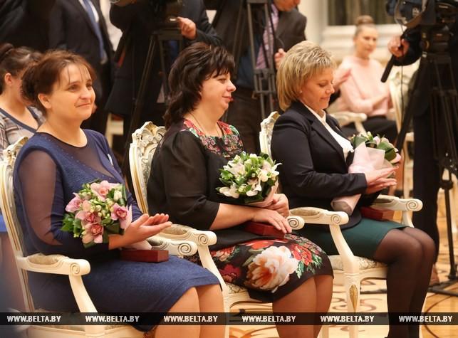 Президент обратился к белорусским женщинам