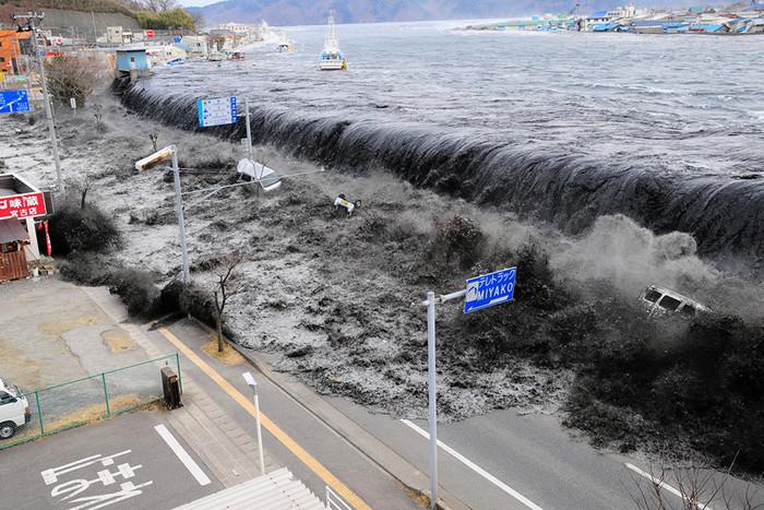 11 марта Япония вспоминала погибших в результате цунами 2011 года