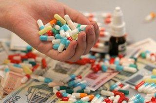 Президент Польши подписал закон о бесплатных лекарствах для пенсионеров