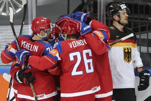 Россия и Канада вышли в полуфинал чемпионата мира по хоккею
