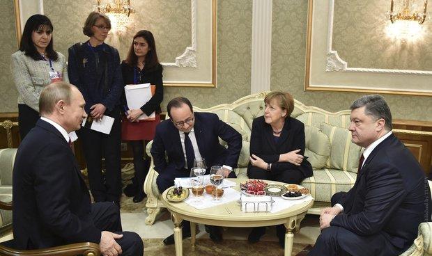 Путин и Порошенко обсудили полицейскую миссию ОБСЕ на Донбассе с Олландом и Меркель
