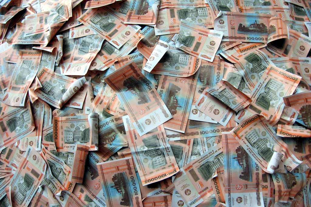 Белстат: доходы среднего белоруса в первом квартале не превышали 5 млн рублей в месяц
