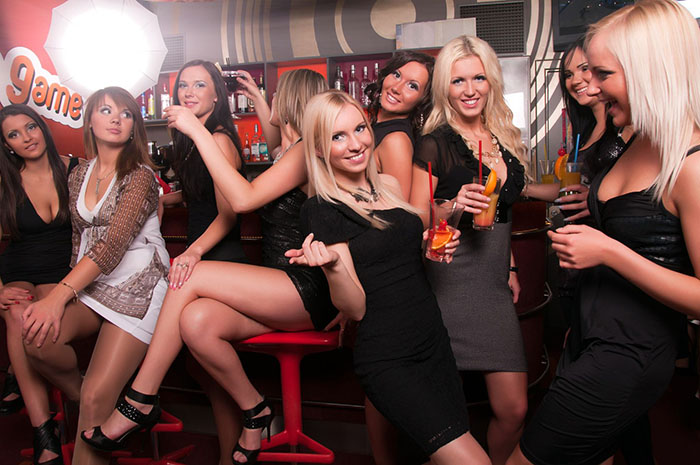 Сочные девки в клубах фото 541-14
