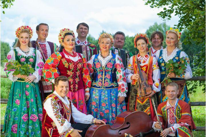 Заслуженный коллектив ансамбль народной музыки «Бяседа»