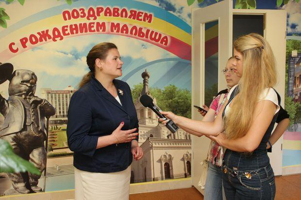 В Бобруйском роддоме состоялась акция «Подари новорожденному вышиванку»
