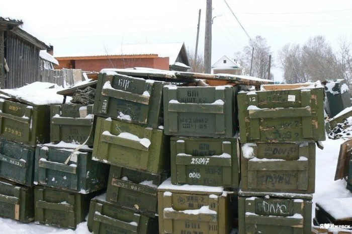 Житель Удмуртии покупал дрова, а получил 79 автоматов Калашникова