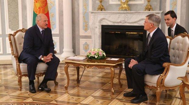 Лукашенко: без нормализации отношений с США мы не будем иметь полноценной внешней политики
