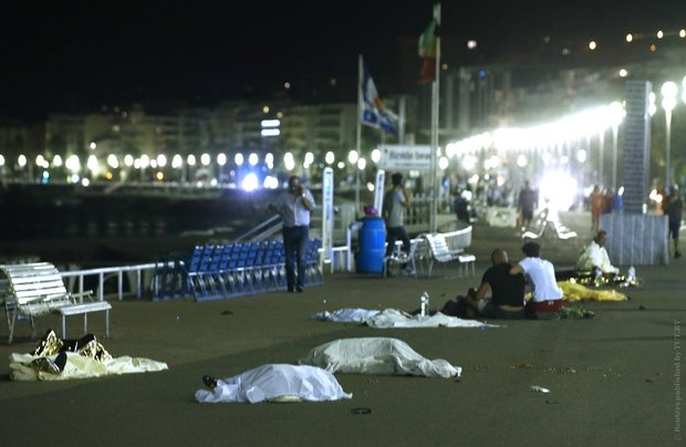Теракт на праздновании Дня взятия Бастилии в Ницце: 84 погибших, не менее 150 раненых
