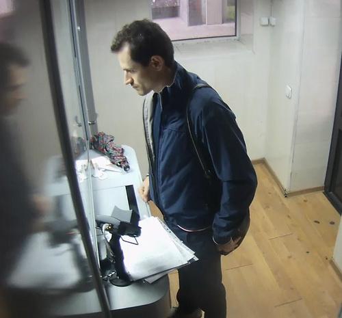 В Минске милиция ищет мужчину, получившего в банке 7 июля лишние 905 рублей