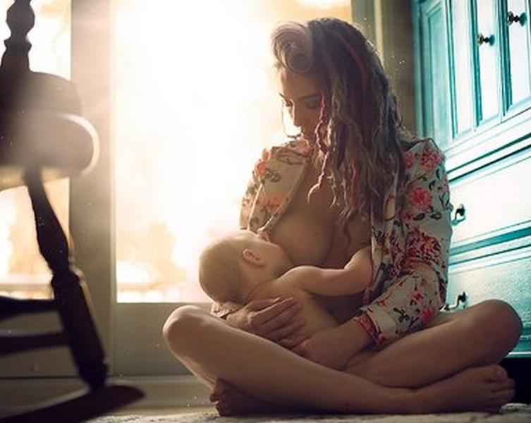 12 фотографий, наглядно показывающих, для чего женщине нужна грудь