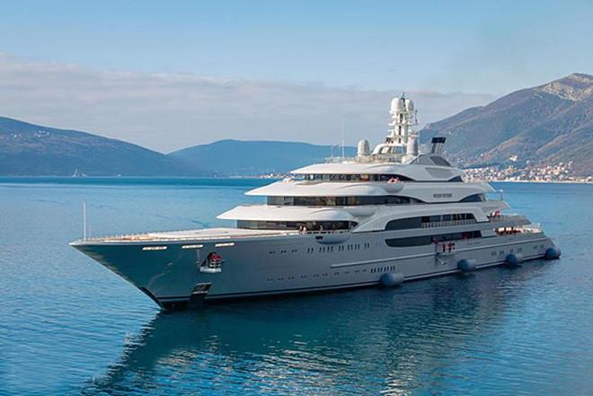 Форбс показал яхты руских депутатов и олигархов