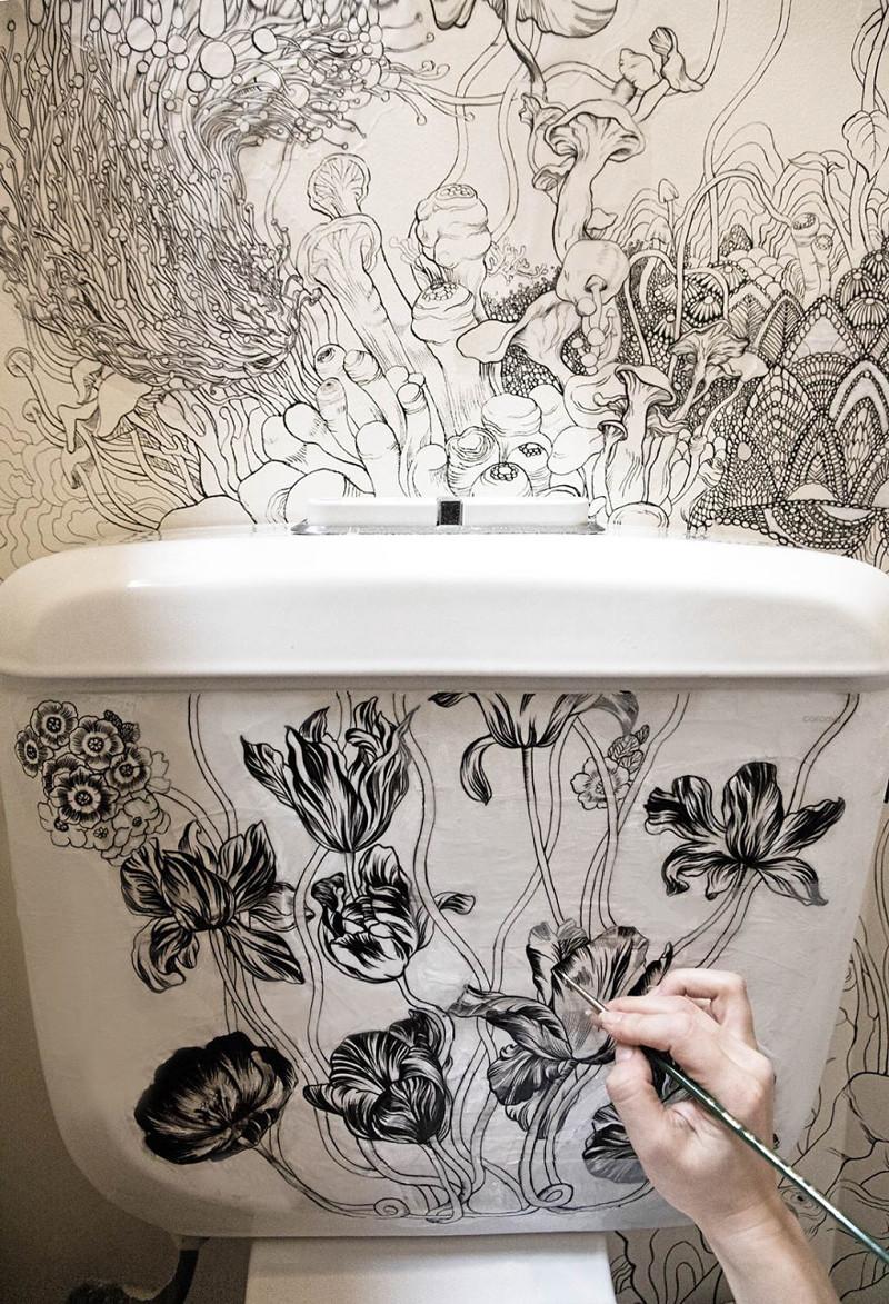 Дизайнер и модельер превратила свой скучный туалет в по-настоящему магическое место