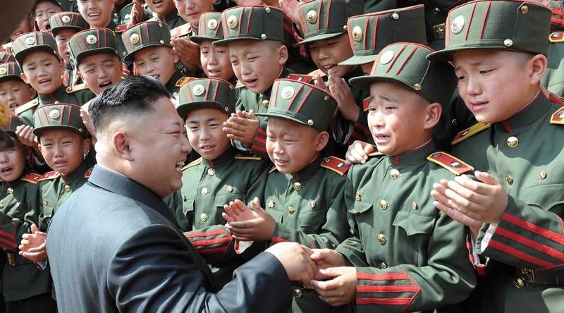 Ким Чен Ын приказал студентам Северной Кореи хорошо учиться
