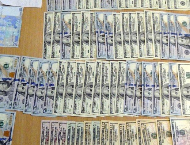 Заведующего поликлиникой в Могилеве взяли с поличным при получении взятки