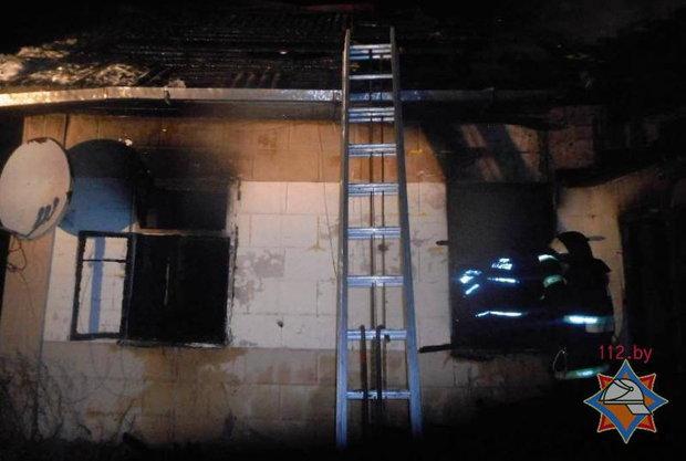 В выходные в горящем доме в Бобруйске погибла 46-летняя женщина