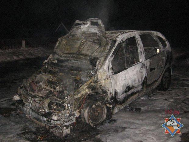 Ночью в Осиповичском районе дотла сгорел Renault