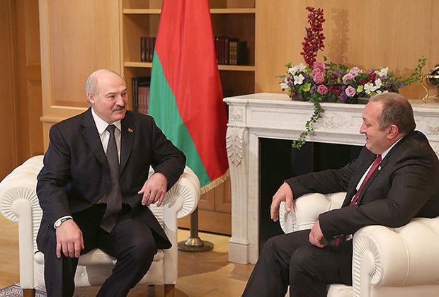 Президент Грузии вырастил картошку, которую подарил ему Лукашенко