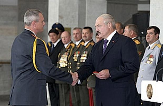 Лукашенко сделал генералами девятерых силовиков