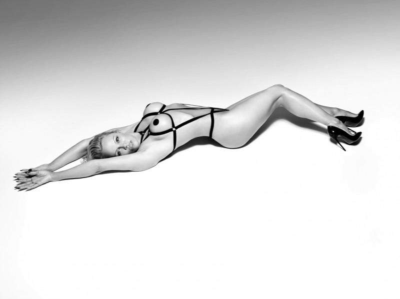Памела Андерсон снялась в шикарной рекламе нижнего белья