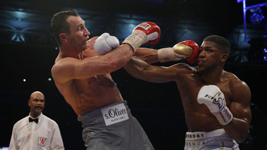 Британский боксер Джошуа нокаутировал Кличко