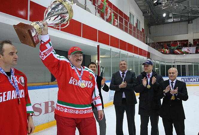Лукашенко раскритиковал хоккеистов