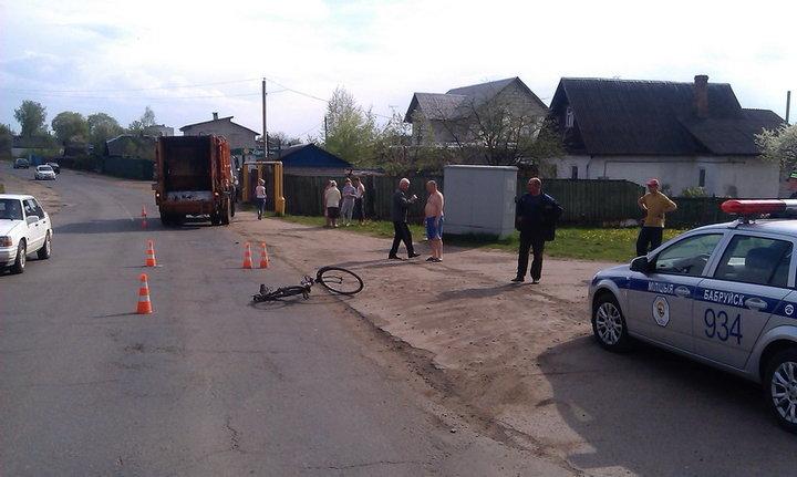 В Бобруйске велосипедист попал под МАЗ