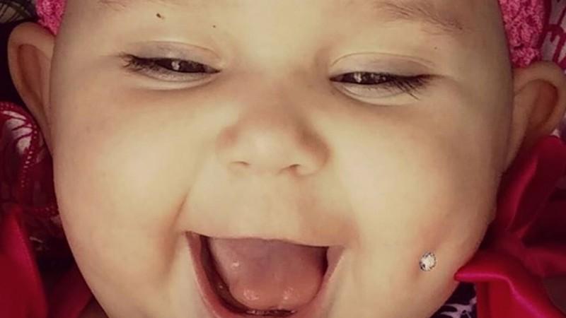 Мама сделала пирсинг годовалой дочери для привлечения внимания в Сети