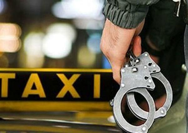 на таксиста напал пьяный пассажир
