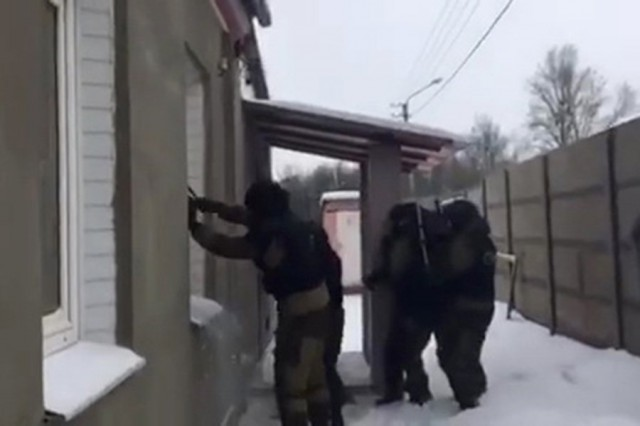бобруйчанку арестовали через окно