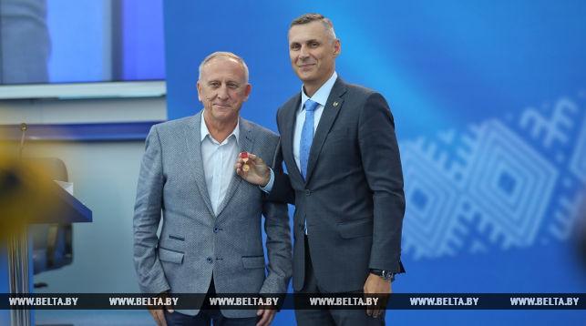 Олимпийский музей Беларуси пополнился экспонатами от тренера фристайлистов Николая Козеко