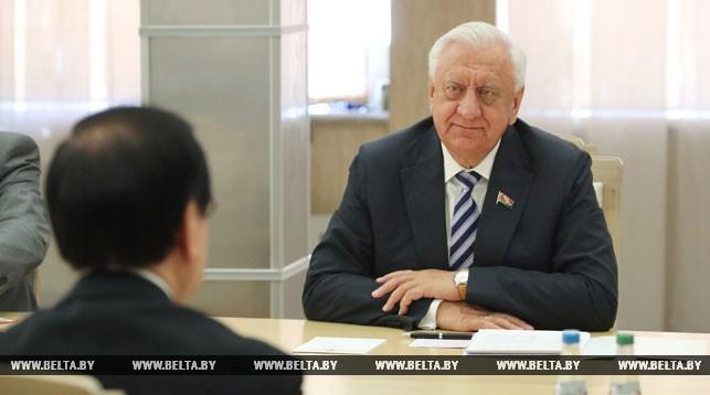 Мясникович отмечает необходимость скорейшего расширения договорно-правовой базы с Японией