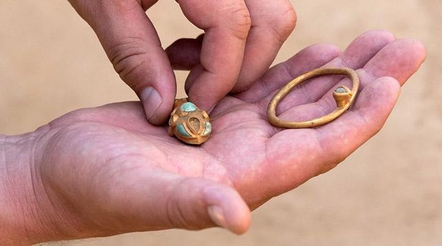 Старинный клад IV века до нашей эры нашли под Астраханью