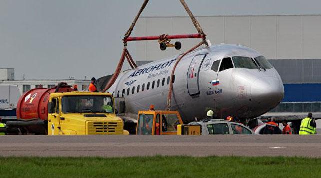Завершена расшифровка «черных ящиков» самолета, сгоревшего в аэропорту Шереметьево