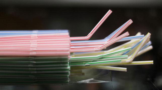 Совет ЕС окончательно утвердил запрет на одноразовый пластик