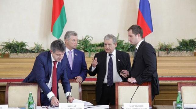 Союзные депутаты констатировали неисполнение в России в I квартале большинства программ СГ